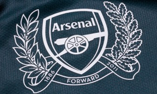 Arsenal 2011/2012 Away Kit by Nike