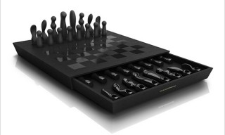 Kiki de Montparnasse and Aruliden Chess Set