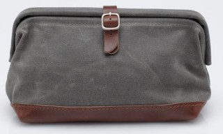 Billykirk Buckled Dopp Kit