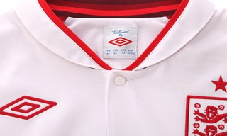 Umbro: New Home Kit for England