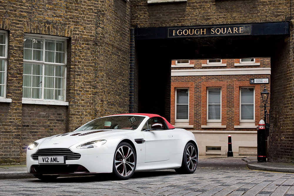 The New Aston Martin V12 Vantage Roadster
