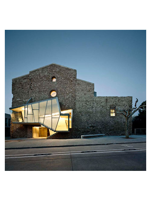 covent-de-st-francis-auditorium-dezeen_Convent-de-Sant-Francesc-by-David-Closes_1