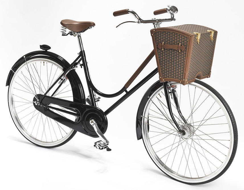 La Malle Bicyclette with Moynat Picnic Basket