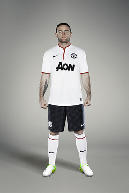 nike-manchester-united-away-kit-2012-2013-09