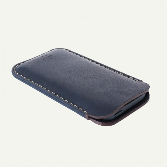 makr-iphone5-leather-sleeve-4