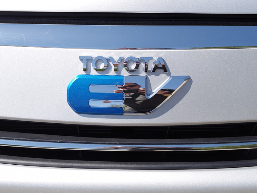 toyota-rav4-ev-electric-car-06