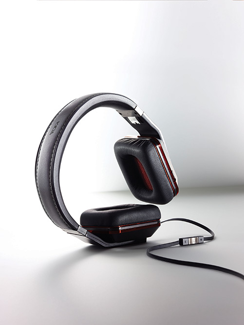 tumi-headphones-by-monster-headphones-3