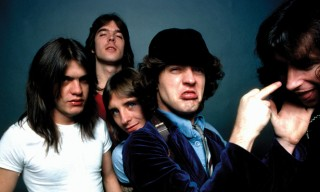 AC/DC Release Their Entire Back Catalogue on iTunes