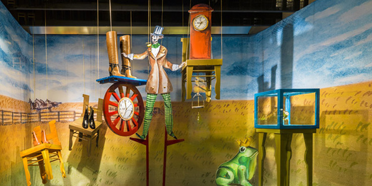 Hermés Window Displays by Kiki van Eyck