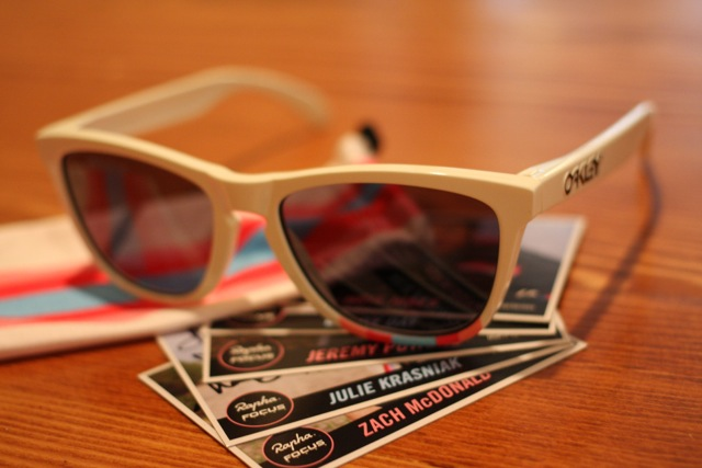 rapha-oakley-sunglass-auction-3