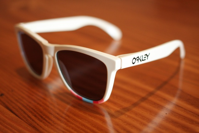 rapha-oakley-sunglass-auction-4