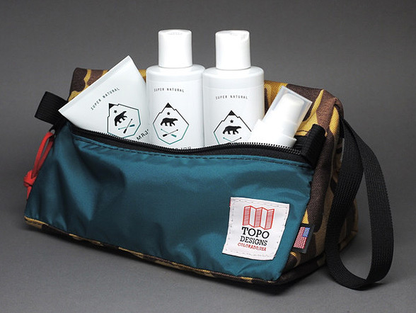 ursa-major-topo-designs-holiday-dopp-kit-03