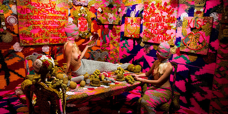 olek-at-jonathan-levine-exhibition-01