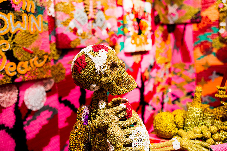 olek-at-jonathan-levine-exhibition-11
