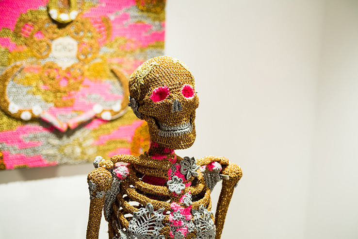 olek-at-jonathan-levine-exhibition-12