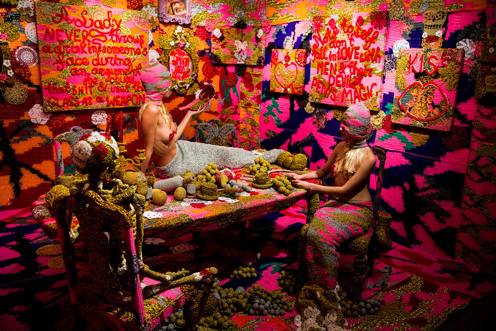 olek-at-jonathan-levine-exhibition-20
