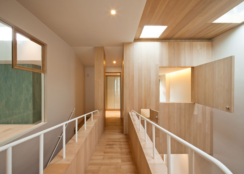 bearbrick-house-11