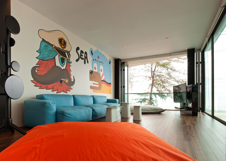 bearbrick-house-13