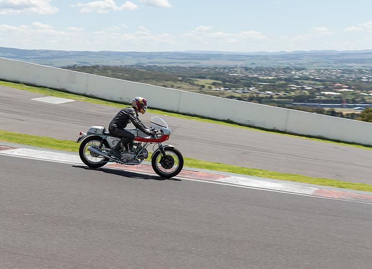 ducati-860SS-replica-bike-exif-11
