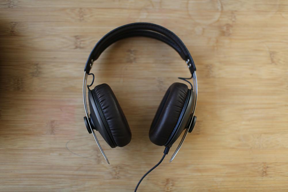 sennheiser-momentum-headphones-22