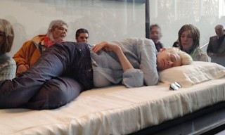 Visit MoMA New York – Watch Tilda Swinton Sleeping in a Box