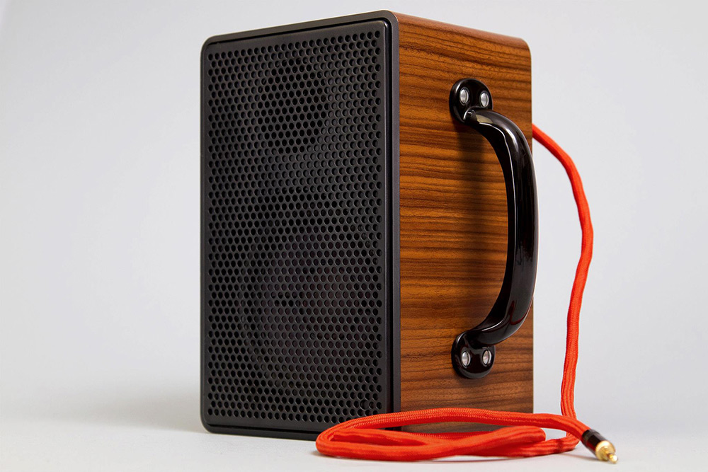 7-vintage-speakers-go-mobile-04
