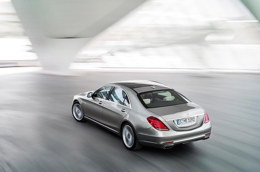 2014-mercedes-sclass-550-vehicle-16