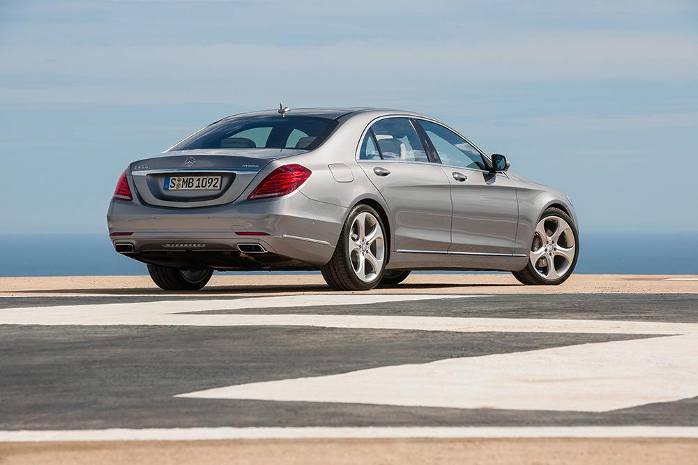 2014-mercedes-sclass-550-vehicle-30