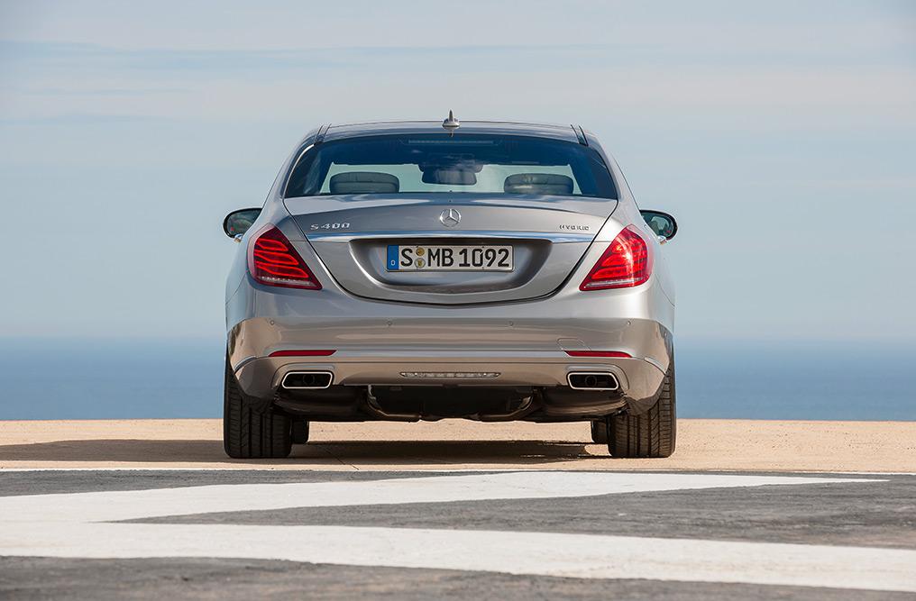 2014-mercedes-sclass-550-vehicle-32