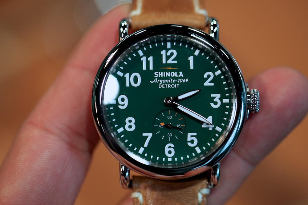Cop calls dog over to him with kissing shoots it caught on body cam nsfw page 6 for Shinola watches