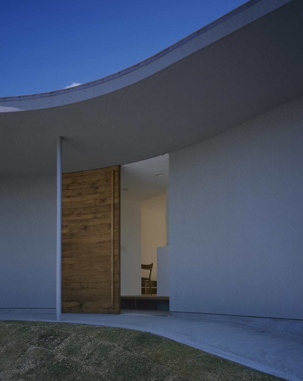 Curved-house-JPN-07