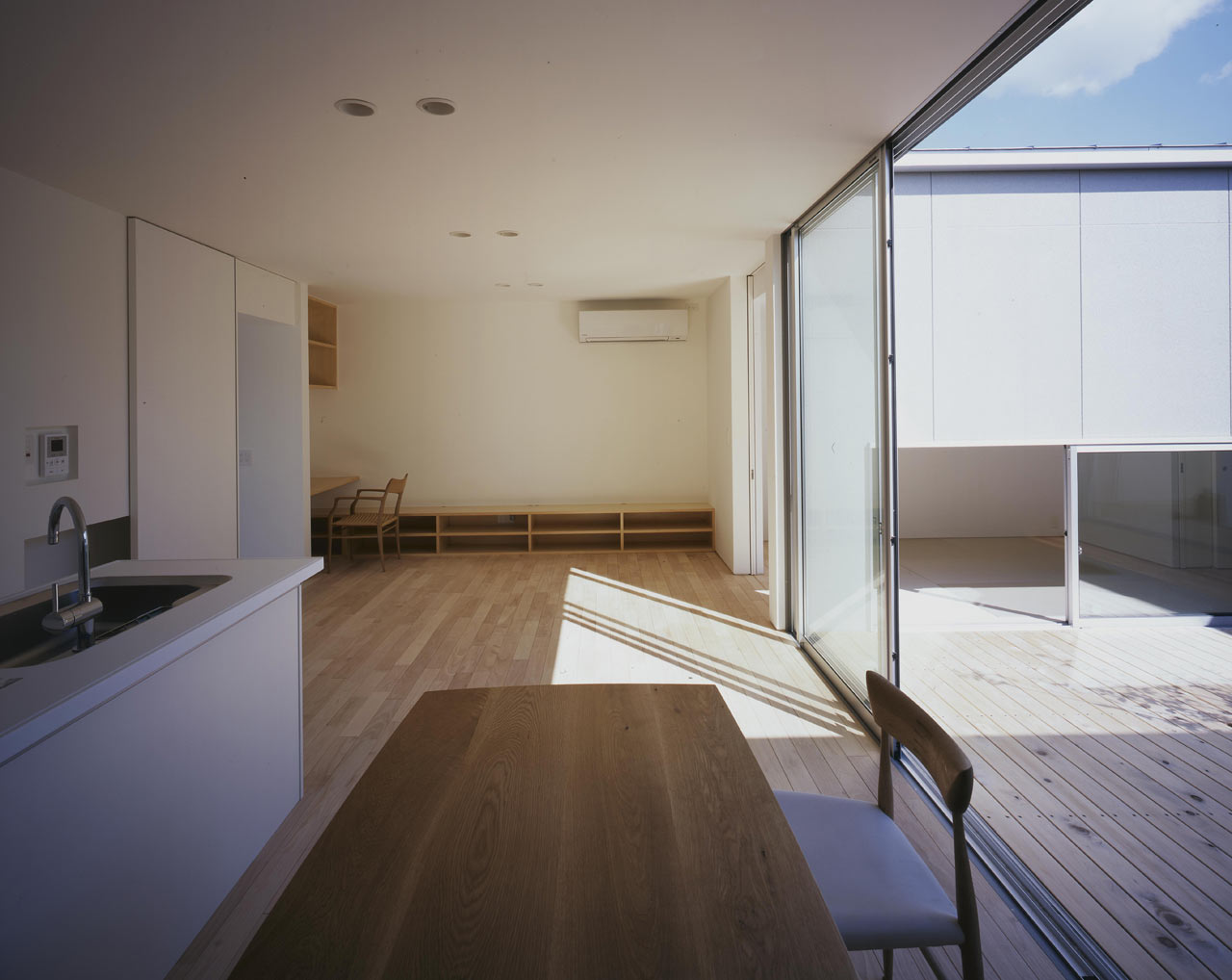 Curved-house-JPN-09
