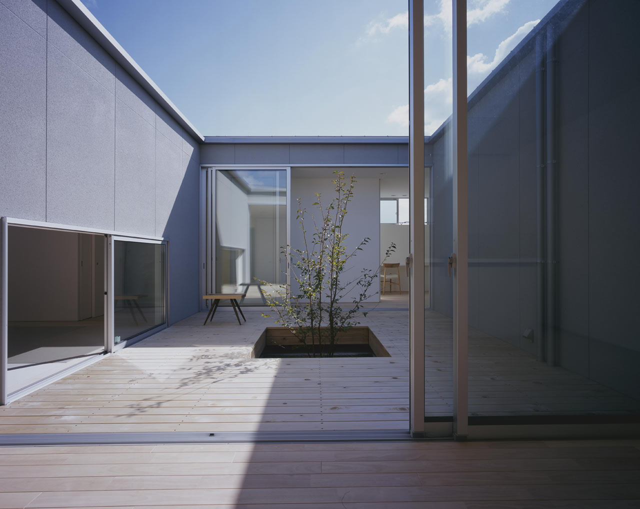 Curved-house-JPN-11