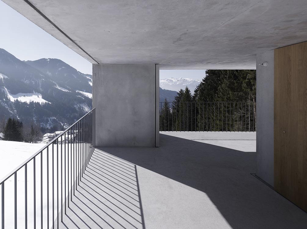mountain-cabin-austria-3