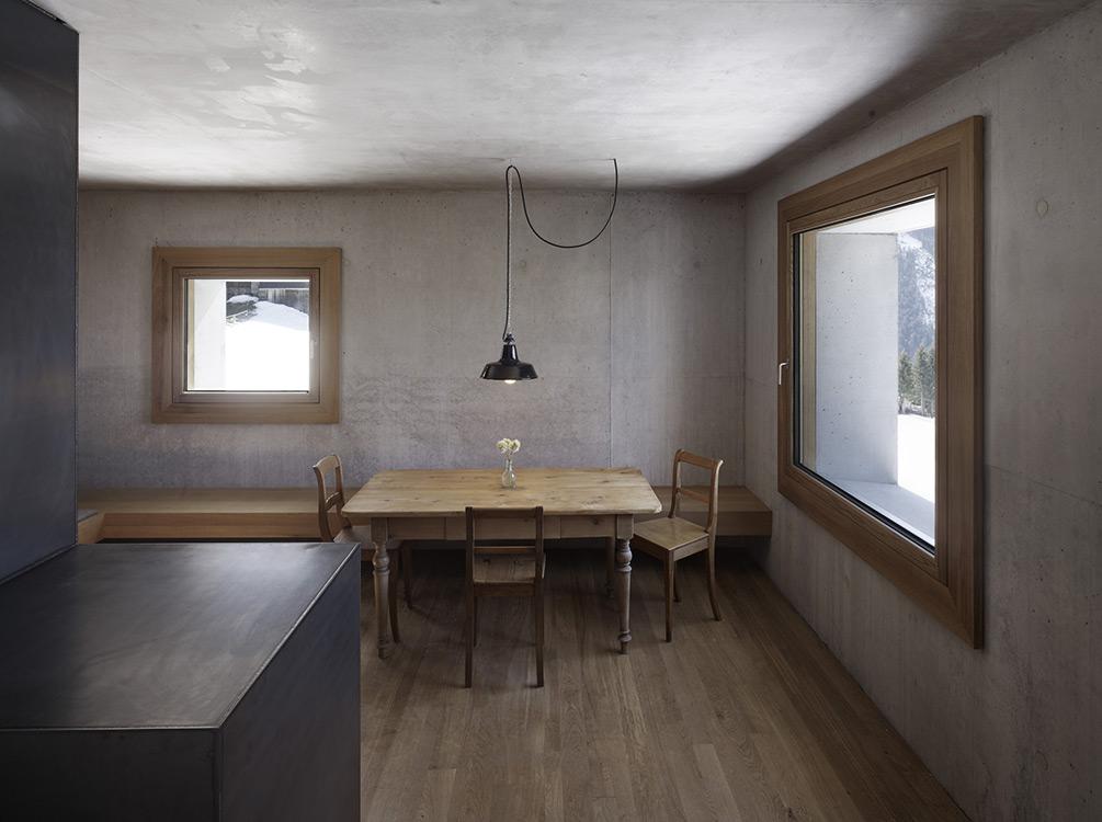mountain-cabin-austria-5
