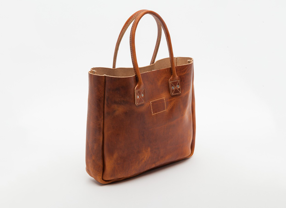 leather tote in tan bag from billykirk ambitionis d. Black Bedroom Furniture Sets. Home Design Ideas