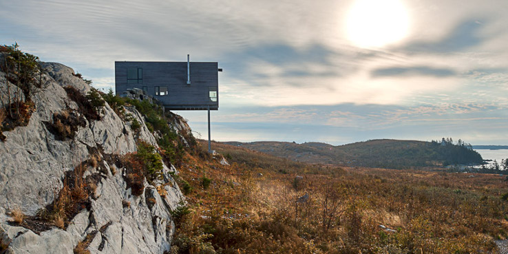 Cliff House by MacKay-Lyons Sweetapple Architects