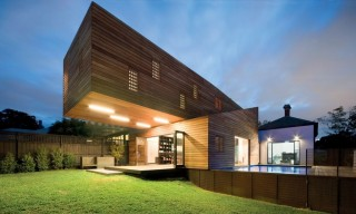 See the Cantilevering Trojan Residence in Melbourne, Australia