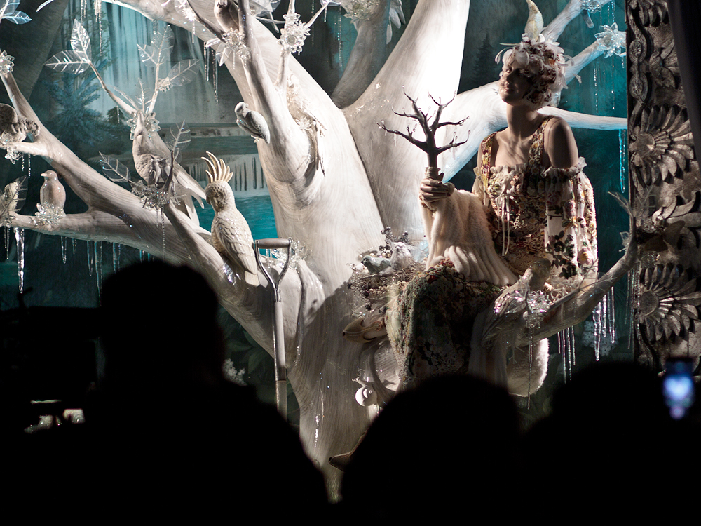bergdorf-holiday-windows-04