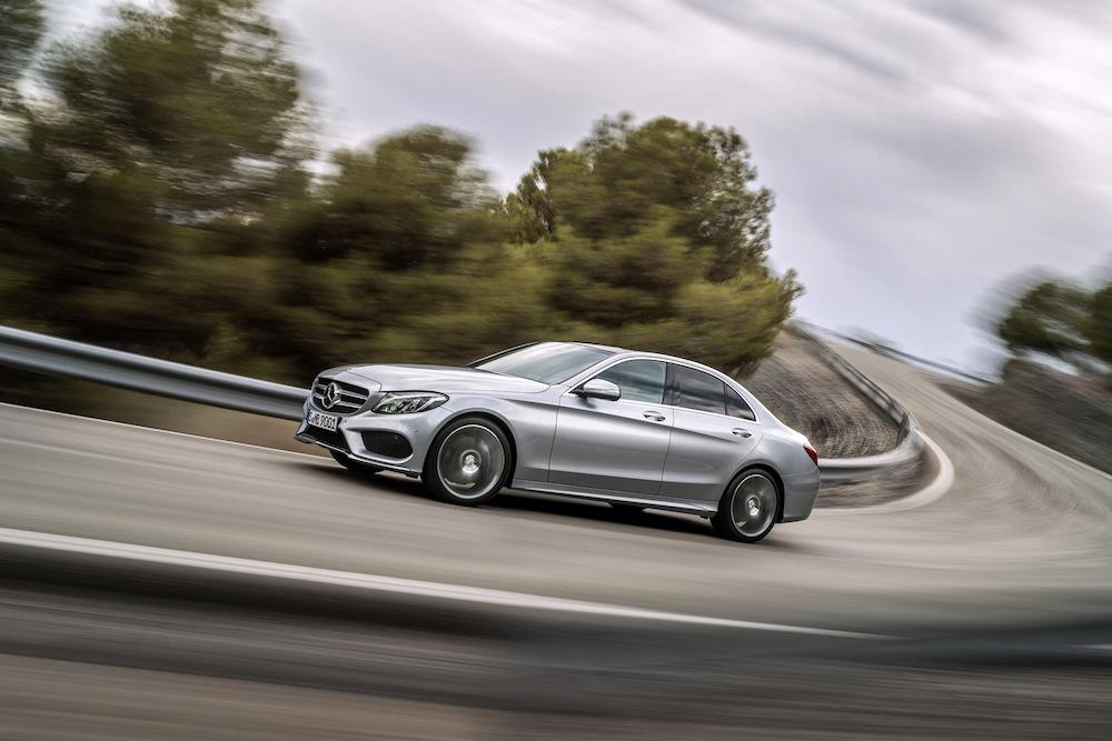 2015-Mercedes-Benz-C-Class-07