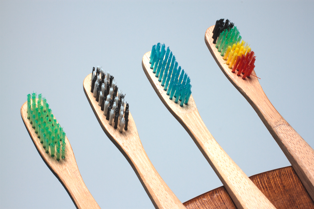 brsh-wooden-toothbrush-03