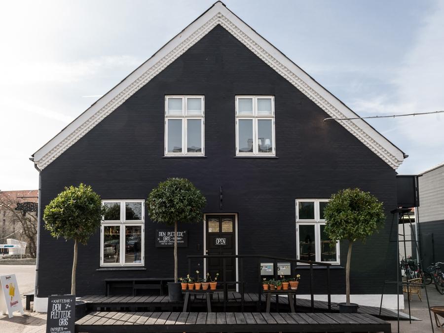 Henrik-Vibskov-Cafe-0