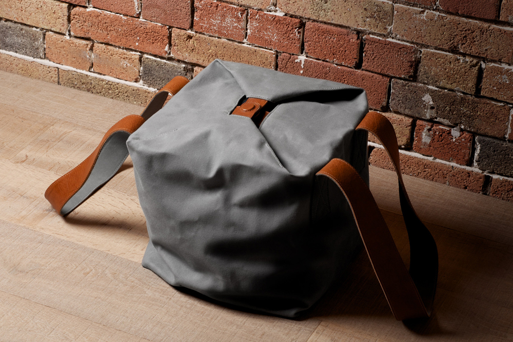 Hard-Graft-Cube-Tote-01