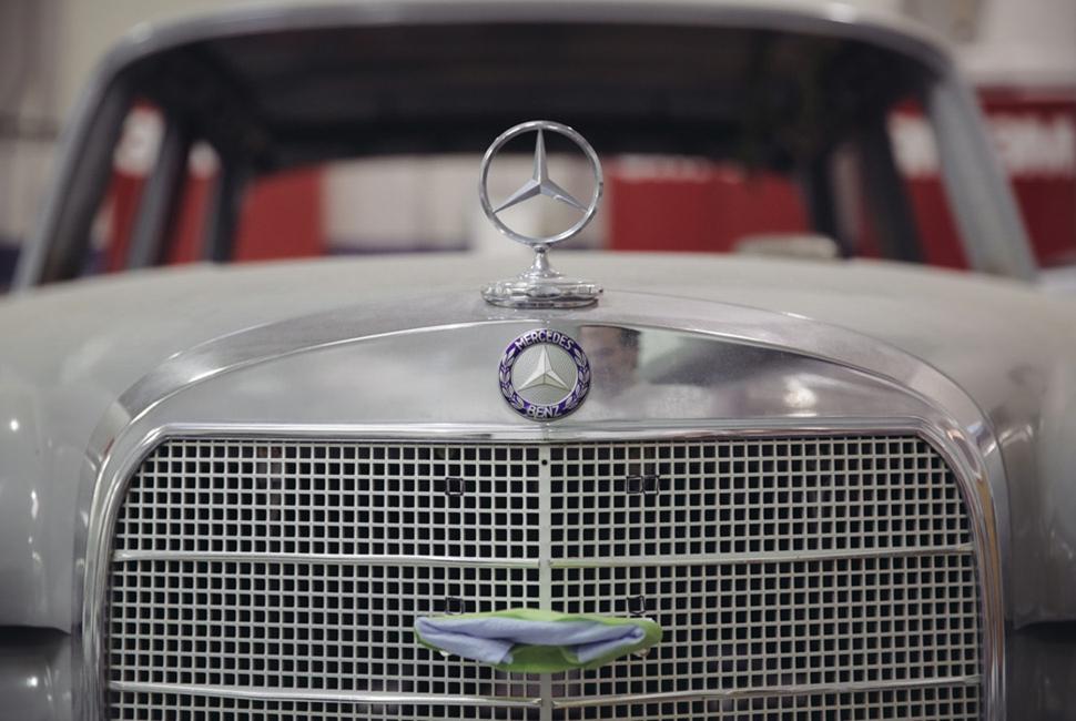 Mercedes-Benz-Classic-Centre-GearPatrol-3