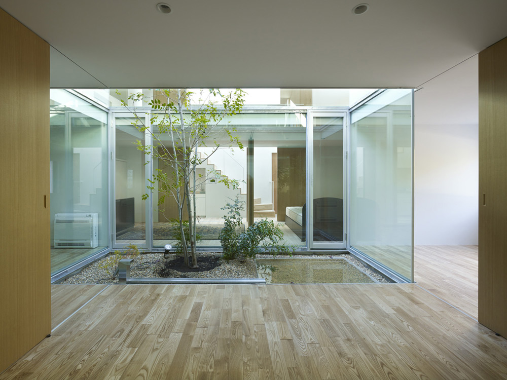 atlas-house-japan-2014-04
