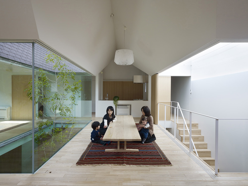 atlas-house-japan-2014-09