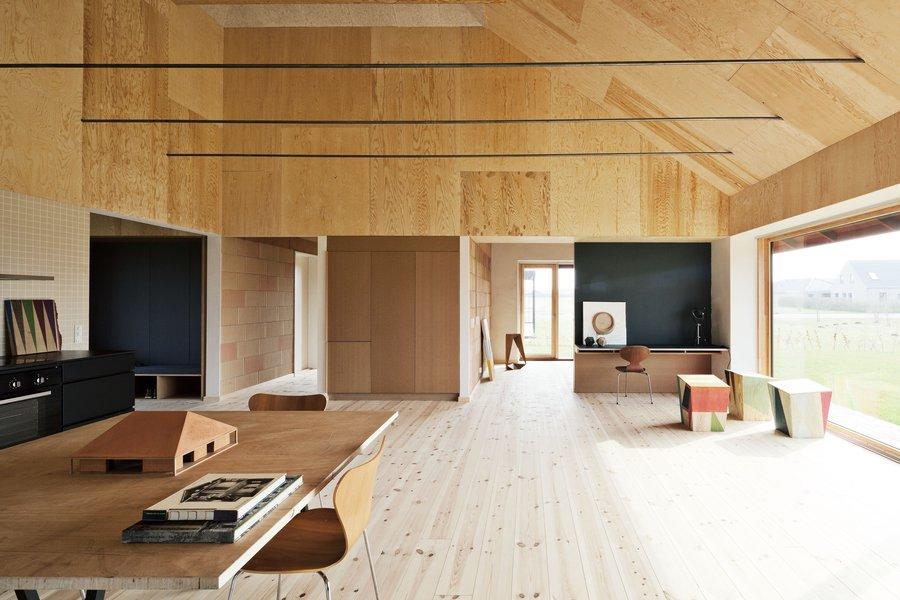 Leth-Gori-Brick-House-10