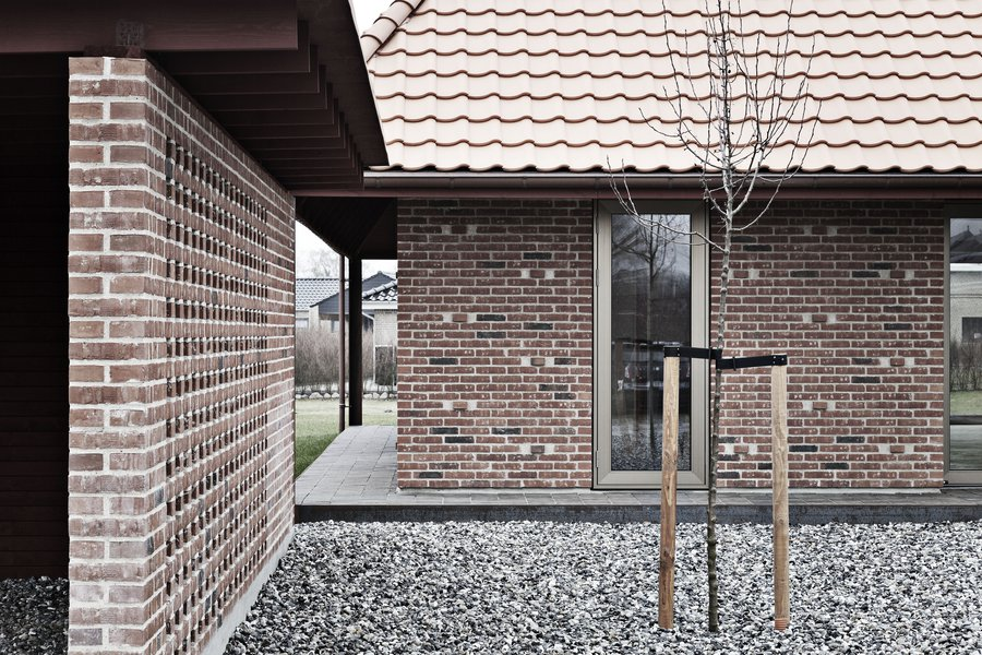 Leth-Gori-Brick-House-4