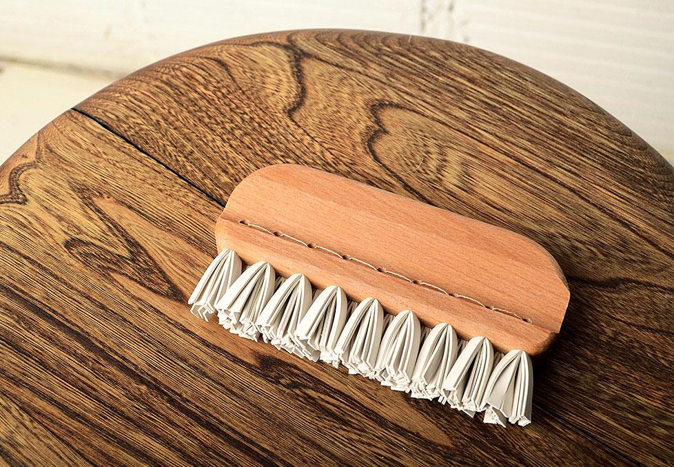 Redecker-Lint-Brush-01