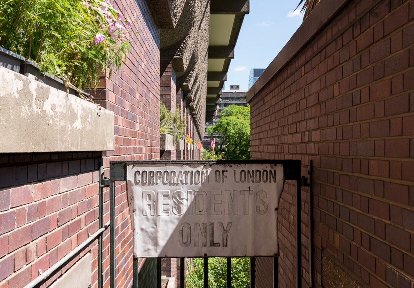 Barbican-Modern-House-2